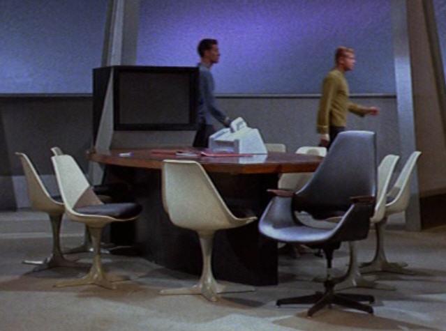 Cadeira Tulipa (Saarinen) no filme Jornada das Estrelas
