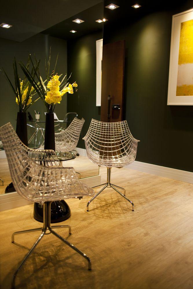 Projeto de Interiores Sala de Negócios: Cadeira Cobweb com Mesa Lateral Moema