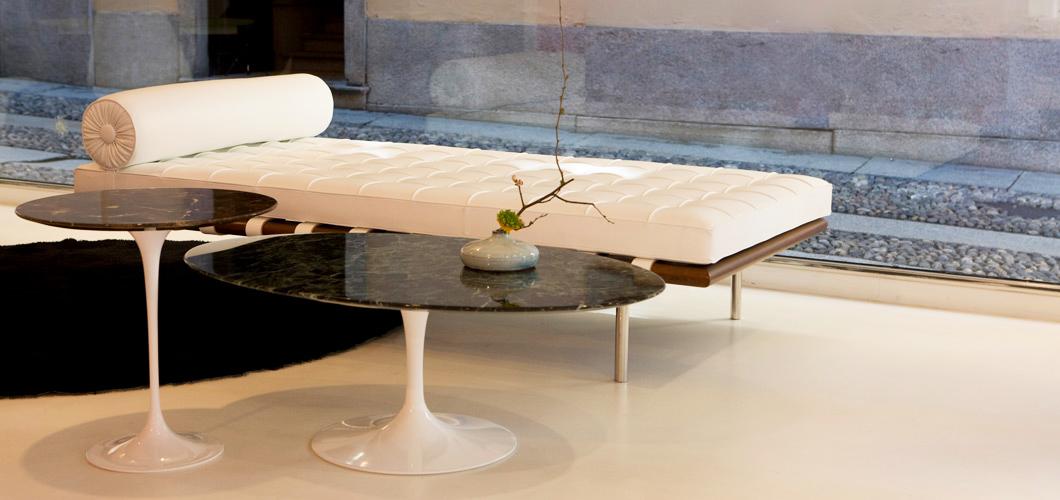 Couch Barcelona com Mesa Saarinen