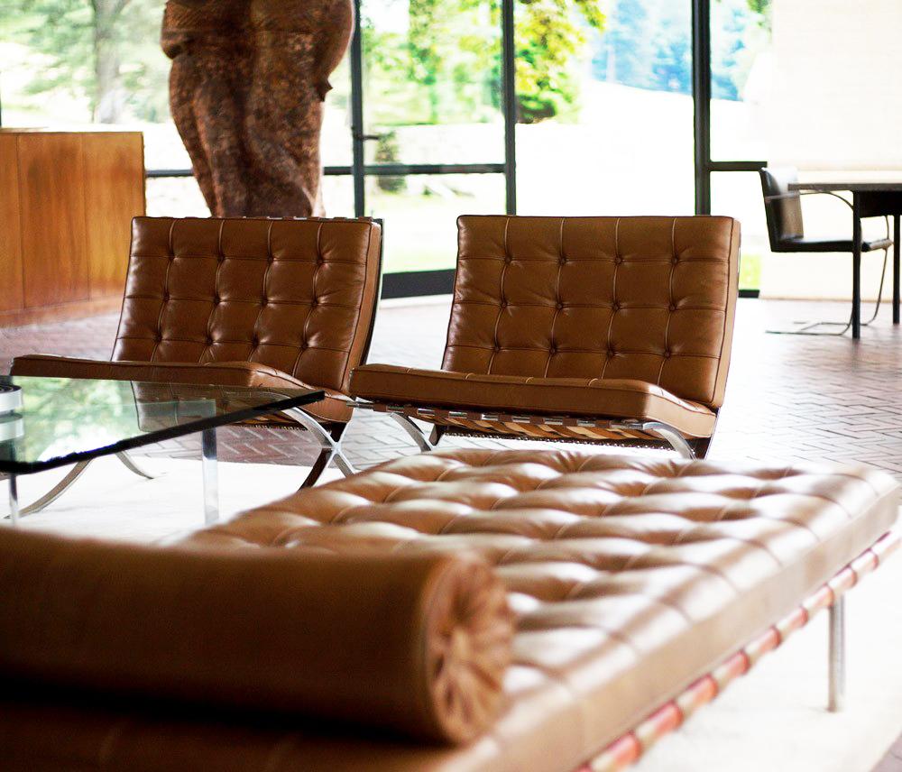 Couch Barcelona com as Poltronas Barcelona