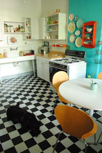 piso-xadrez-preto-e-branco-na-cozinha