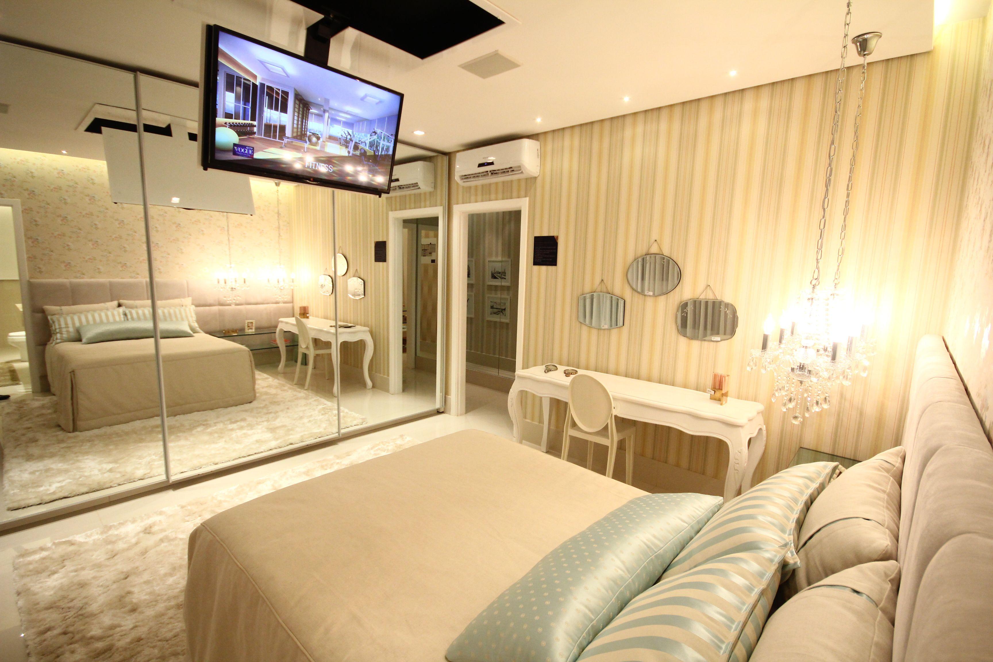 Como decorar um quarto de casal com tv usando suporte