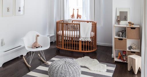 Cadeira Eames DAR Balanço em quarto de bebê