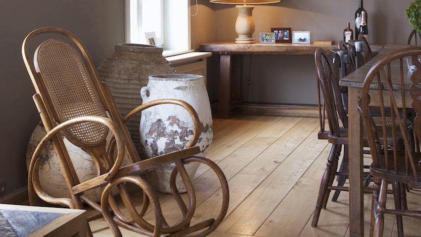Cadeira de Balanço em madeira e palhinha