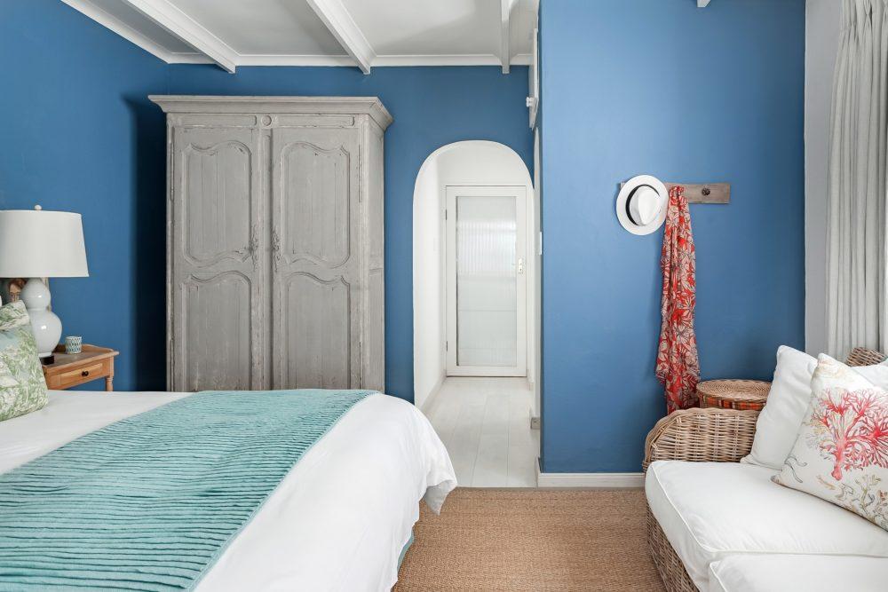 quarto paredes azuis