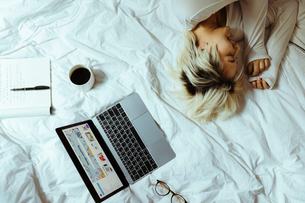 trabalhar na cama