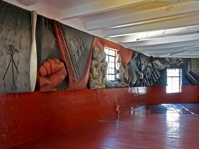 mural com historia do méxico