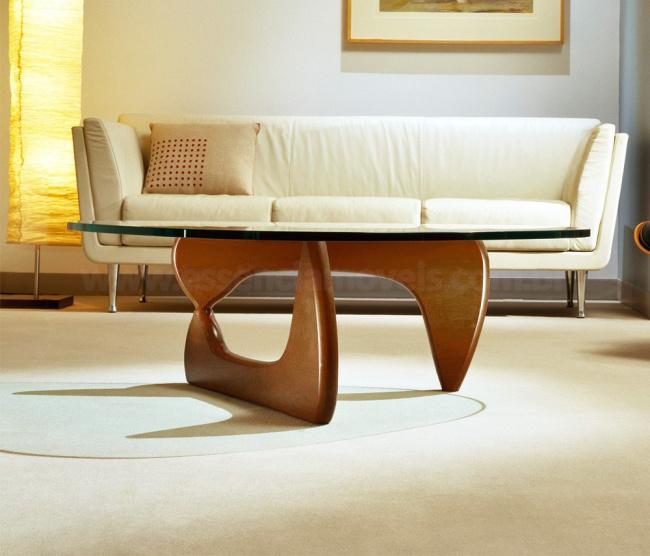 mesa noguchi ambientada