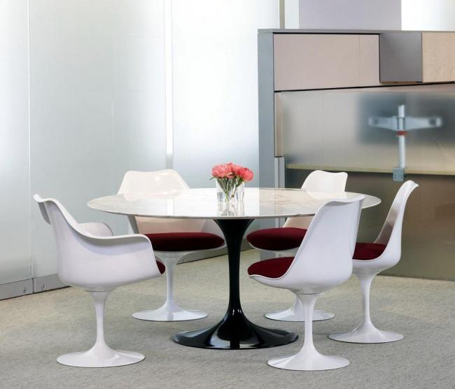 Mesa e cadeiras saarinen artigo series
